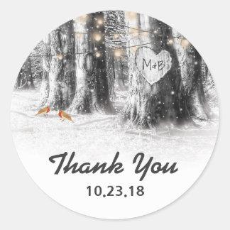 Sticker Rond L'arbre rustique d'hiver allume le Merci épousant