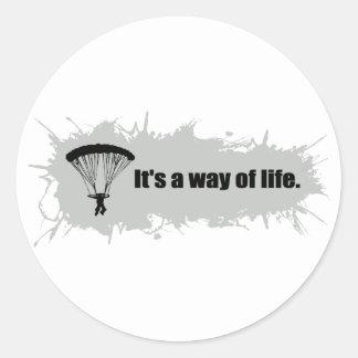 Sticker Rond Le parachutage est un mode de vie