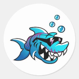 Sticker Rond Le requin, me rencontrent à la plage, drôle,