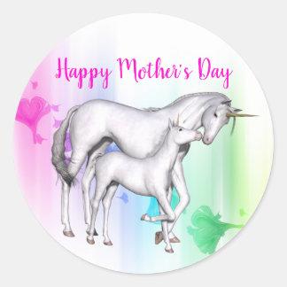 Sticker Rond Licorne heureuse du jour de mère   avec son bébé