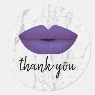 Sticker Rond Merci de marbre blanc de lèvres violettes