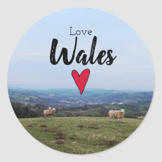 Sticker Rond Moutons de ferme de Gallois de paysage de colline