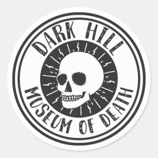 Sticker Rond Musée foncé de colline d'autocollant de crâne de