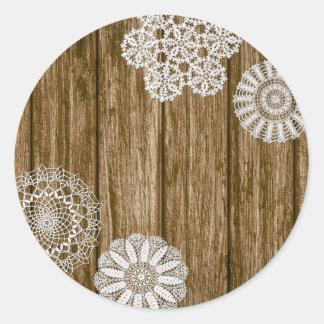 Sticker Rond Napperons de crochet sur la ferme en bois rustique