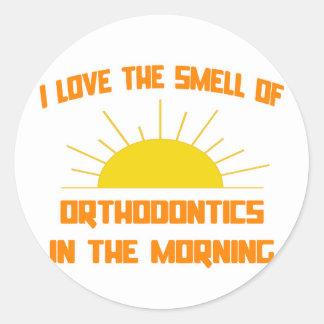 Sticker Rond Odeur des orthodonties pendant le matin