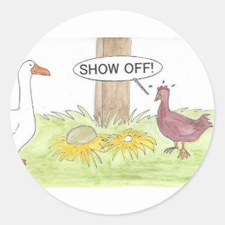 Sticker Rond Oie d'or contre le poulet