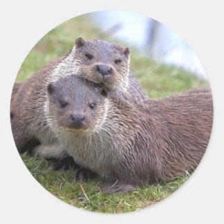 Sticker Rond Otterly dans l'autocollant d'amour