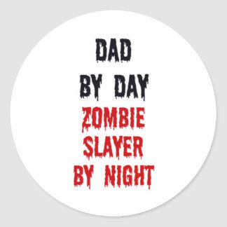 Sticker Rond Papa par le tueur de zombi de jour par nuit