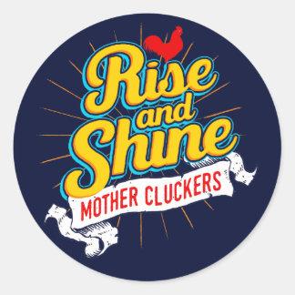Sticker Rond Pays de coq de Cluckers de mère de hausse et