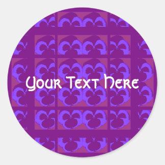 Sticker Rond Pensées pourpres dans les rangées et les colonnes