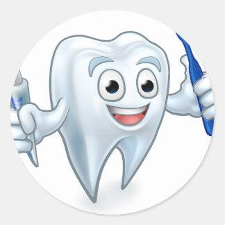 Sticker Rond Personnage de dessin animé de mascotte de dent