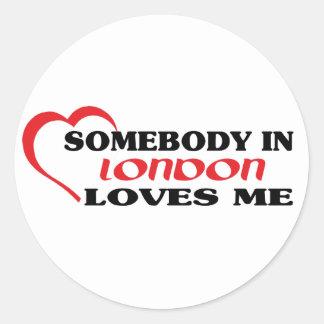 Sticker Rond Quelqu'un à Londres m'aime