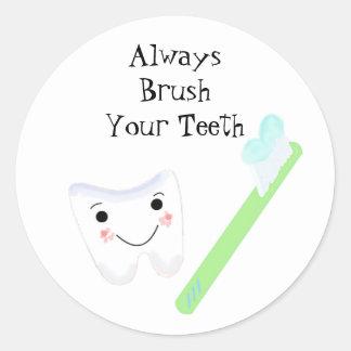 Sticker Rond Rappel dentaire mignon de brosse à dents et de
