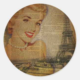 Sticker Rond Rétro goupille de Paris de Tour Eiffel vers le