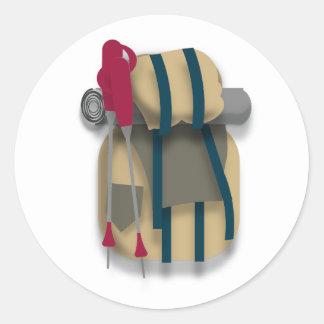 Sticker Rond Sac à dos, matériel de couchage et cannes de