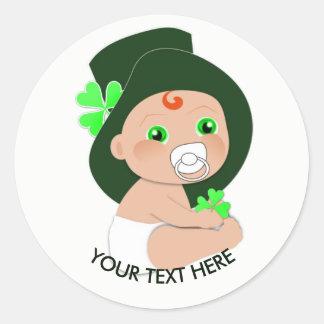 Sticker Rond Shamrock chanceux de lutin irlandais de bébé