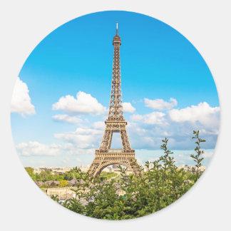 Sticker Rond Tour Eiffel dans l'autocollant de nuages