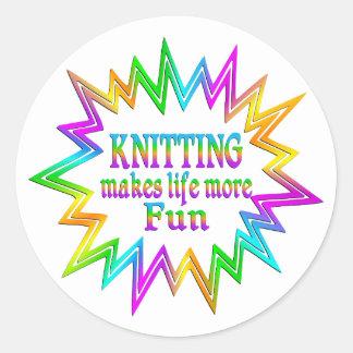 Sticker Rond Tricotage de plus d'amusement