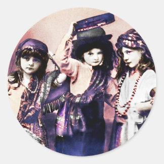 Sticker Rond Trio des enfants gitans