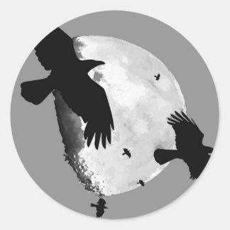 Sticker Rond Un meurtre des corneilles et de la lune