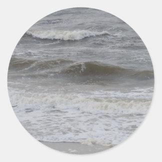 Sticker Rond Vagues et mousse de plage