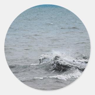 Sticker Rond Vagues sur la glace