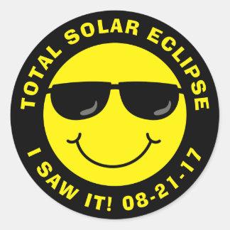Sticker Rond Visage total de smiley de cool d'éclipse solaire