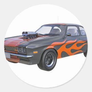 Sticker Rond voiture de muscle des années 70 dans les flammes