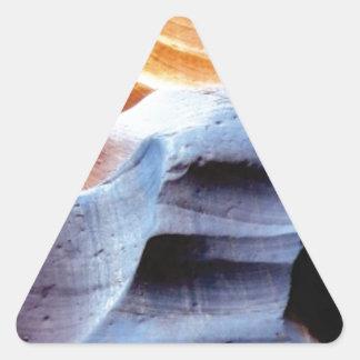 Sticker Triangulaire Bosses et morceaux dans les roches