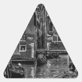 Sticker Triangulaire Canal de bateau de gondole de Venise Italie
