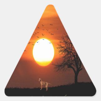 Sticker Triangulaire Coucher du soleil, arbre, oiseaux, Weimaraner,