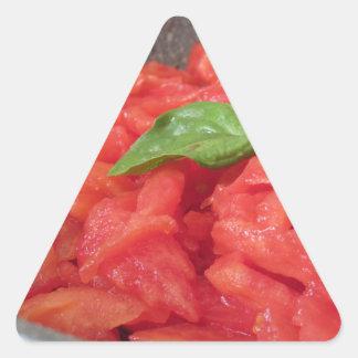 Sticker Triangulaire Cuisson de la sauce tomate faite maison utilisant