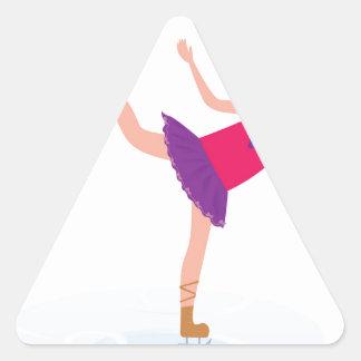 Sticker Triangulaire Enfant de patinage de glace sur le blanc