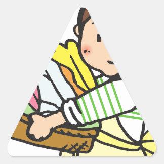 Sticker Triangulaire Femme avec le panier de blanchisserie