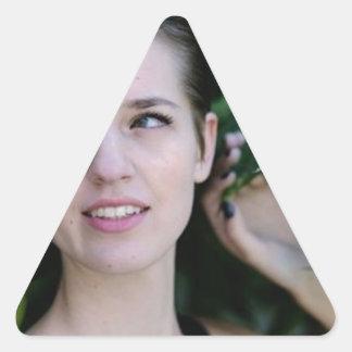 Sticker Triangulaire Fille dans les bois