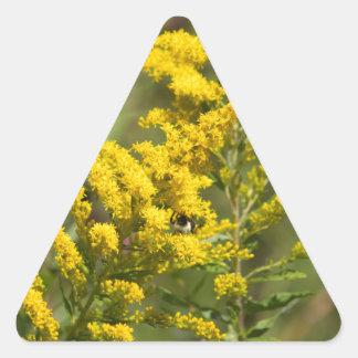 Sticker Triangulaire Fleurs sauvages dorés