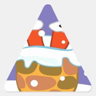 Sticker Triangulaire Le père noël en bas de la cheminée