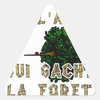 Sticker Triangulaire L'Homme est l'Arbre qui Gâche la Forêt
