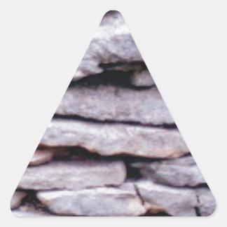 Sticker Triangulaire pile de roche formée