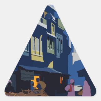 Sticker Triangulaire Voyage vintage Inde une rue par clair de lune