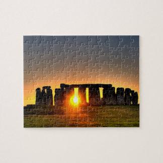 Stonehenge à l'aube de milieu de l'été puzzle