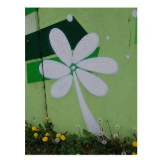 Streetart carte postale graffiti de fleurs