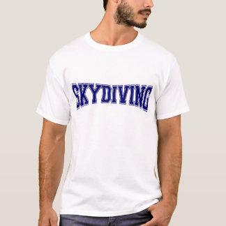 Style d'université de parachutisme t-shirt