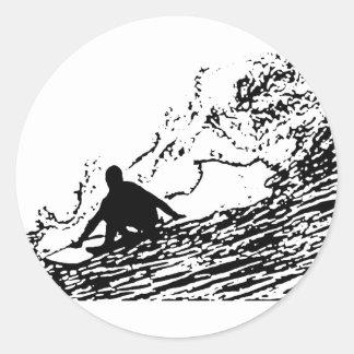 Style surfant de conception de surfer rétro adhésifs ronds