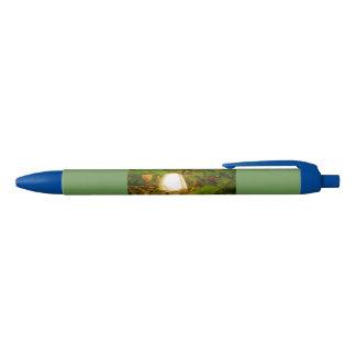 Stylo sauvage d'encre de champignon crayon noir