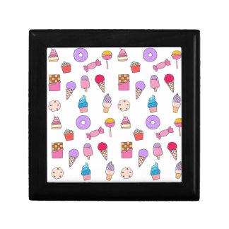 Sucrerie, bonbons et gâteau petite boîte à bijoux carrée