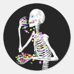 Sucrerie squelettique de consommation Halloween Sticker Rond