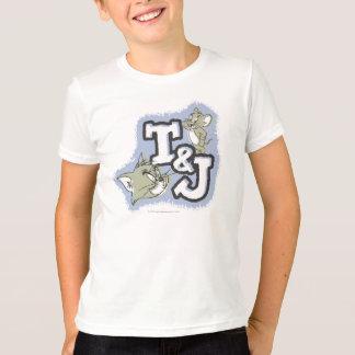 Suffisance excentrée Tom et logo d'initiales de T-shirt