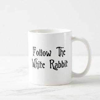 Suivez le lapin blanc mug blanc