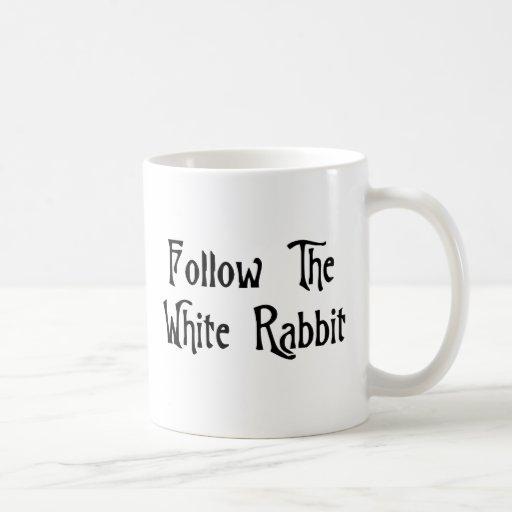 Suivez le lapin blanc mug